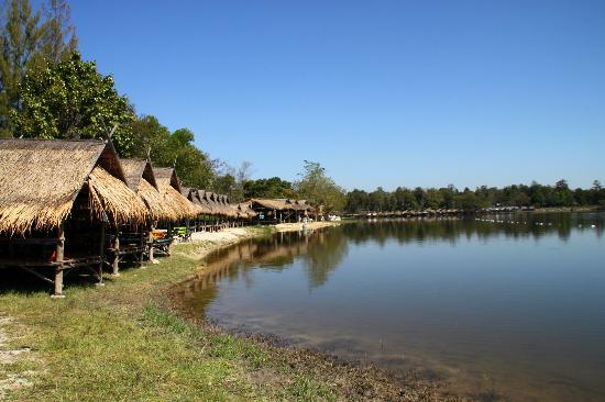 huay-tung-tao-lake