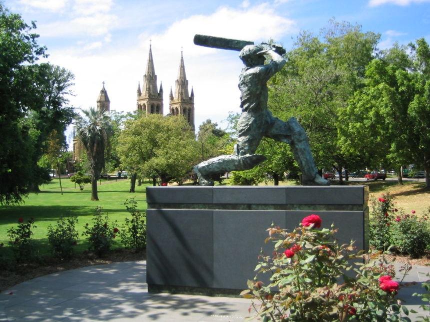 Don_Bradman_statue_at_Adelaide_Oval